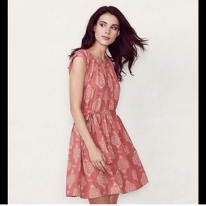 Like new light pleated summer dress with belt